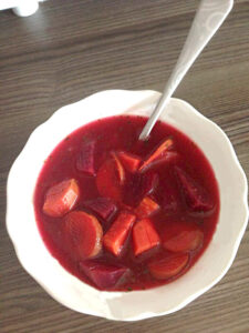 Bunter Gemüseeintopf mit Rote Bete, Möhren und leckeren Süßkartoffeln