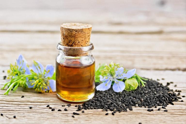 Schwarzkümmelöl (Nigella Sativa) – Das schwarze Gold