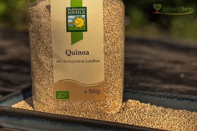 Quinoa (Chenopodium quinoa), auch als Inkareis, Reismelde, Inkakorn, Reisspinat, Andenhirse oder Perureis bekannt.