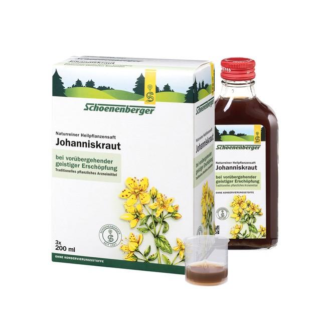 Naturreiner Bio Johanniskrautsaft wirkt beruhigend und fördert die Lichtaufnahme der Haut von Schoenenberger Heilpflanzensaft