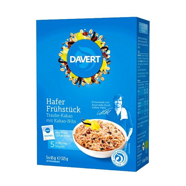 Ayurvedischer Bio Porridge : Hafer Frühstück mit Trauben und Kakao-Nibs von Daver